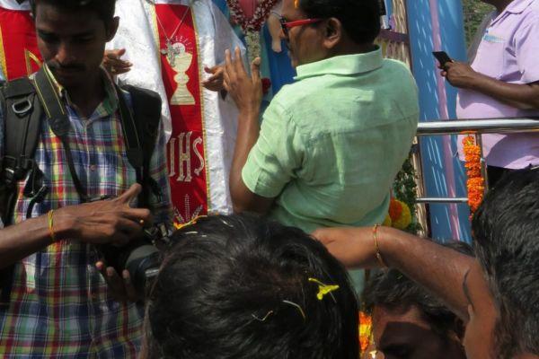 Zahlreiche Pressefotografen begleiteten unsere Informationsreise in Indien